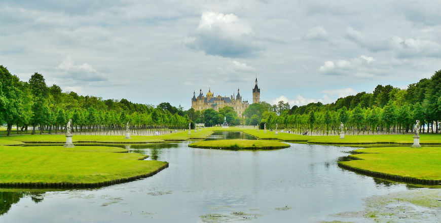 Schwerin: Northern German City of Lakes